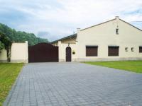 Prodej komerčního objektu 574 m², Osov