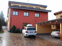 Prodej domu v osobním vlastnictví 512 m², Říčany