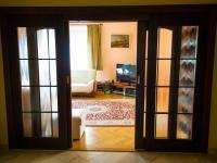 vstupní hala (Prodej domu v osobním vlastnictví 512 m², Říčany)