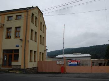 pohled na budovu - Prodej výrobních prostor 4278 m², Dolní Poustevna