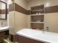 Koupelna - Prodej bytu 5+1 v osobním vlastnictví 218 m², Praha 3 - Vinohrady