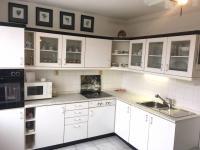 Prodej bytu 2+1 v osobním vlastnictví 74 m², Praha 6 - Suchdol