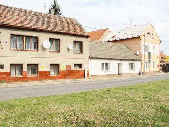 Prodej domu v osobním vlastnictví 90 m², Třebichovice