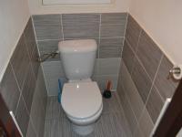 toaleta (Prodej bytu 3+kk v osobním vlastnictví 70 m², Praha 9 - Černý Most)
