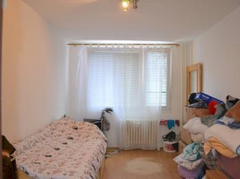 pokoj - Prodej bytu 3+kk v osobním vlastnictví 70 m², Praha 9 - Černý Most
