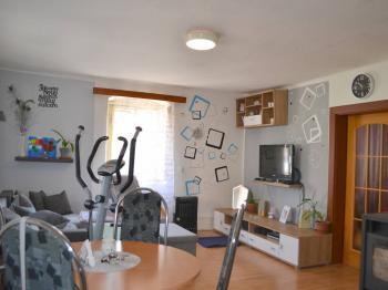 obývací pokoj - Prodej domu v osobním vlastnictví 52 m², Chlístov