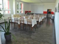 možnost stravování v areálu - Pronájem pozemku 2450 m², Prostějov
