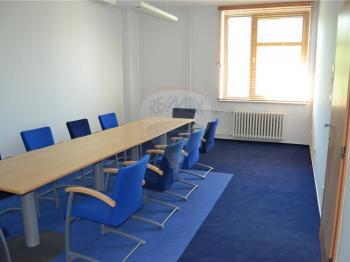 vybavené prostory - Pronájem kancelářských prostor 600 m², Prostějov
