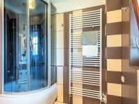 2NP koupelna - Prodej domu v osobním vlastnictví 274 m², Tuklaty