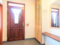 1NP vchod - Prodej domu v osobním vlastnictví 274 m², Tuklaty