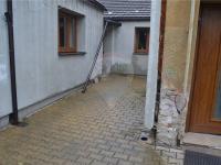 část dvorku - Prodej domu v osobním vlastnictví 105 m², Kostelec nad Labem