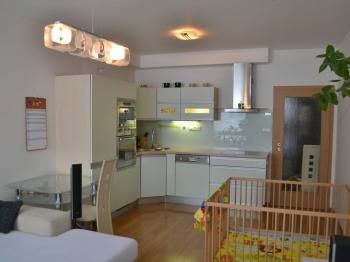 Prodej bytu 3+kk v osobním vlastnictví 85 m², Praha 10 - Horní Měcholupy