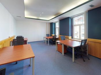 Pronájem kancelářských prostor 305 m², Praha 9 - Hloubětín