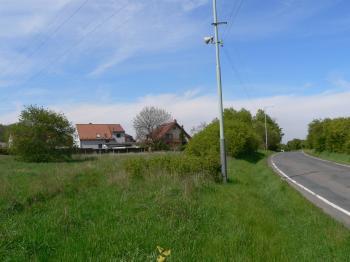 Prodej pozemku 1300 m², Praha 10 - Dubeč (ID 202-