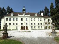 02 (Pronájem historického objektu 2400 m², Zalužany)