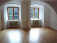 17 (Pronájem historického objektu 2400 m², Zalužany)