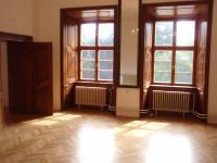 12 (Pronájem historického objektu 2400 m², Zalužany)