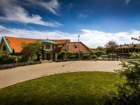 Prodej domu v osobním vlastnictví, 677 m2, Trnová