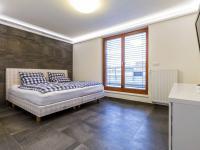 Rodičovská ložnice, 15 m2 (Prodej bytu 4+kk v osobním vlastnictví 247 m², Praha 10 - Záběhlice)