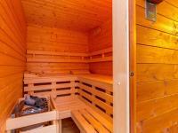Sauna na terase u rodičovské ložnice (Prodej bytu 4+kk v osobním vlastnictví 247 m², Praha 10 - Záběhlice)