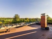 Celkový pohled na terasu od severovýchodu (Prodej bytu 4+kk v osobním vlastnictví 247 m², Praha 10 - Záběhlice)
