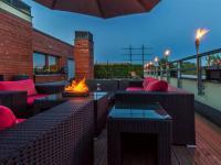 Večerní terasa (Prodej bytu 4+kk v osobním vlastnictví 247 m², Praha 10 - Záběhlice)