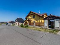 Uliční pohled (Prodej domu v osobním vlastnictví 197 m², Sibřina)
