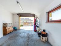 Garáž (Prodej domu v osobním vlastnictví 197 m², Sibřina)