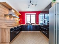 Kuchyň (Prodej domu v osobním vlastnictví 197 m², Sibřina)