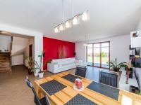 Jídelní kout 1.NP (Prodej domu v osobním vlastnictví 197 m², Sibřina)