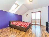 Ložnice 2. NP (Prodej domu v osobním vlastnictví 197 m², Sibřina)