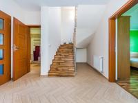 Chodba 1. NP (Prodej domu v osobním vlastnictví 197 m², Sibřina)