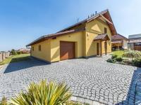 Pohled na dům (Prodej domu v osobním vlastnictví 197 m², Sibřina)
