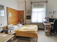 Ložnice s pracovním koutem (Prodej domu v osobním vlastnictví 245 m², Pohoří)