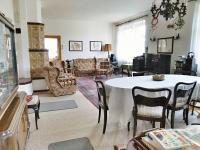 Obývací pokoj (Prodej domu v osobním vlastnictví 245 m², Pohoří)