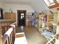 Hala v 1. patře (Prodej domu v osobním vlastnictví 245 m², Pohoří)