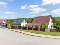 Pohled na dům z ulice (Prodej domu v osobním vlastnictví 227 m², Třebotov)