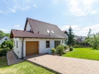 Příjezdová cesta (Prodej domu v osobním vlastnictví 227 m², Třebotov)