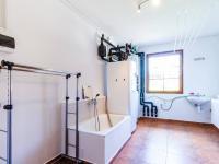 Technická místnost s kotlem a tepelným čerpadlem (Prodej domu v osobním vlastnictví 227 m², Třebotov)