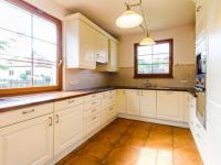 Kuchyně (Prodej domu v osobním vlastnictví 227 m², Třebotov)