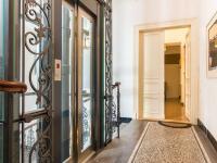 Přístup do prostor nájmu (Pronájem kancelářských prostor 85 m², Praha 1 - Staré Město)