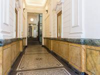 Vstup do domu (Pronájem kancelářských prostor 85 m², Praha 1 - Staré Město)