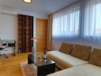 moderně zařízené (Prodej bytu 2+kk v osobním vlastnictví 45 m², Praha 5 - Smíchov)