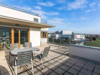 terasa (Prodej bytu 2+kk v osobním vlastnictví 132 m², Praha 10 - Záběhlice)