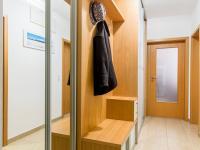 Předsíň (Prodej bytu 4+kk v osobním vlastnictví 153 m², Praha 9 - Hloubětín)