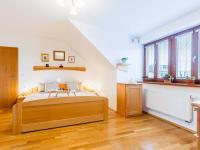 Hlavní ložnice v patře (Prodej bytu 4+kk v osobním vlastnictví 153 m², Praha 9 - Hloubětín)