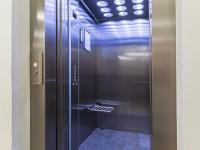 Výtah v domě (Prodej bytu 4+kk v osobním vlastnictví 153 m², Praha 9 - Hloubětín)