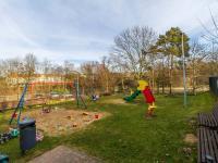 Vlastní dětské hřiště (Prodej bytu 4+kk v osobním vlastnictví 153 m², Praha 9 - Hloubětín)