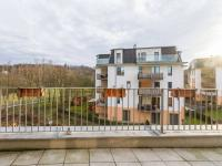 Výhled z hlavní terasy (Prodej bytu 4+kk v osobním vlastnictví 153 m², Praha 9 - Hloubětín)