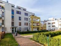 Pohled na dům (Prodej bytu 4+kk v osobním vlastnictví 153 m², Praha 9 - Hloubětín)
